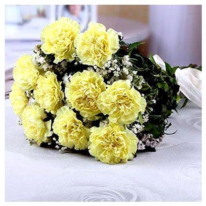 Yellow Carnation Hand Bunch